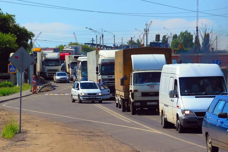Пробка на старой (альтернативной) автодороге М-4 «Дон» в Ельце